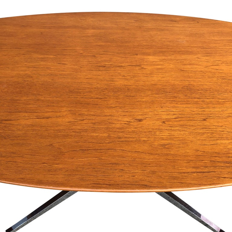 Florence Knoll Oval Table Desk in Walnut 4