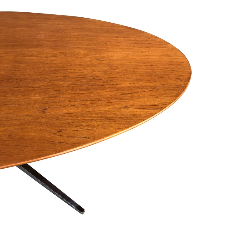 Mid-20th Century Florence Knoll Oval Table Desk in Walnut