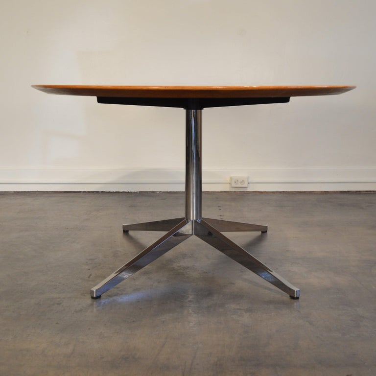 American Florence Knoll Oval Table/Desk with Oak Top For Sale