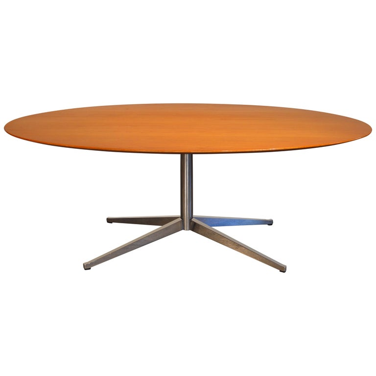 Florence Knoll Oval Table/Desk with Oak Top For Sale