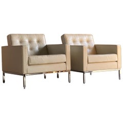 Florence Knoll Relax Leather Armchairs 1-Place Pair by Knoll Studio, USA