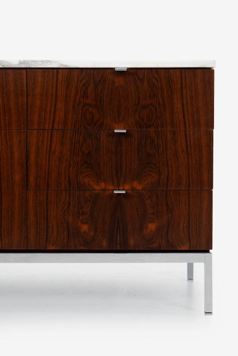 Florence Knoll Rosewood Credenza with Marble Top For Sale 4