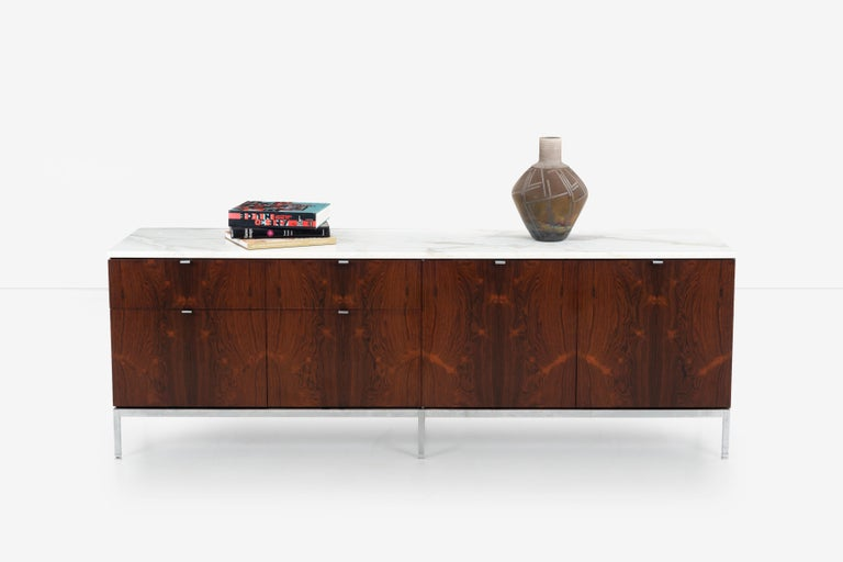Florence Knoll Rosewood Credenza with Marble Top In Good Condition For Sale In Chicago, IL