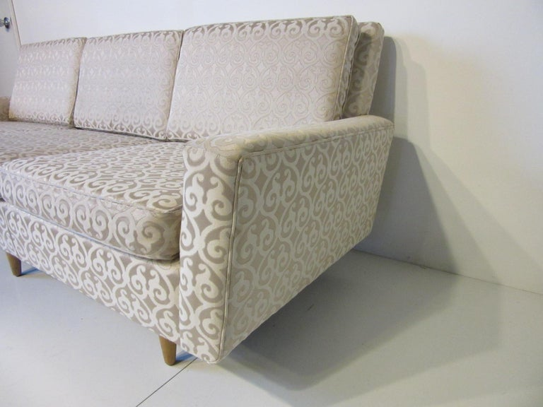 Mid-Century Modern Florence Knoll Sofa for Knoll For Sale