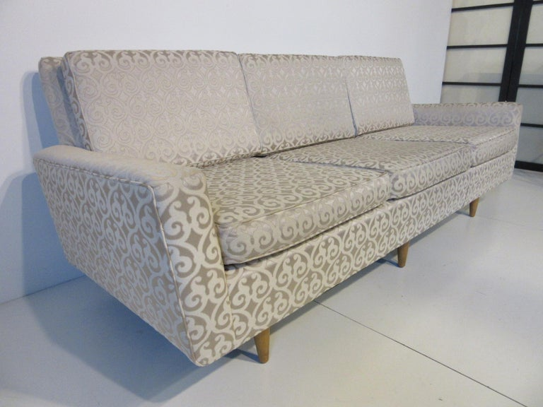 Florence Knoll Sofa for Knoll In Good Condition For Sale In Cincinnati, OH