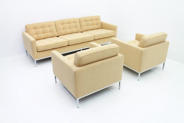 Florence Knoll Sofa for Knoll International For Sale 3