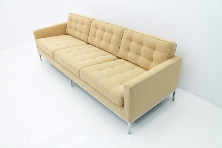 American Florence Knoll Sofa for Knoll International For Sale