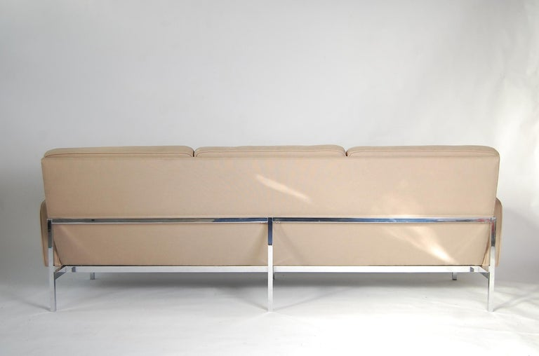 Mid-Century Modern Florence Knoll Sofa For Sale
