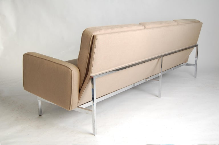 Florence Knoll Sofa In Good Condition For Sale In Providence, RI