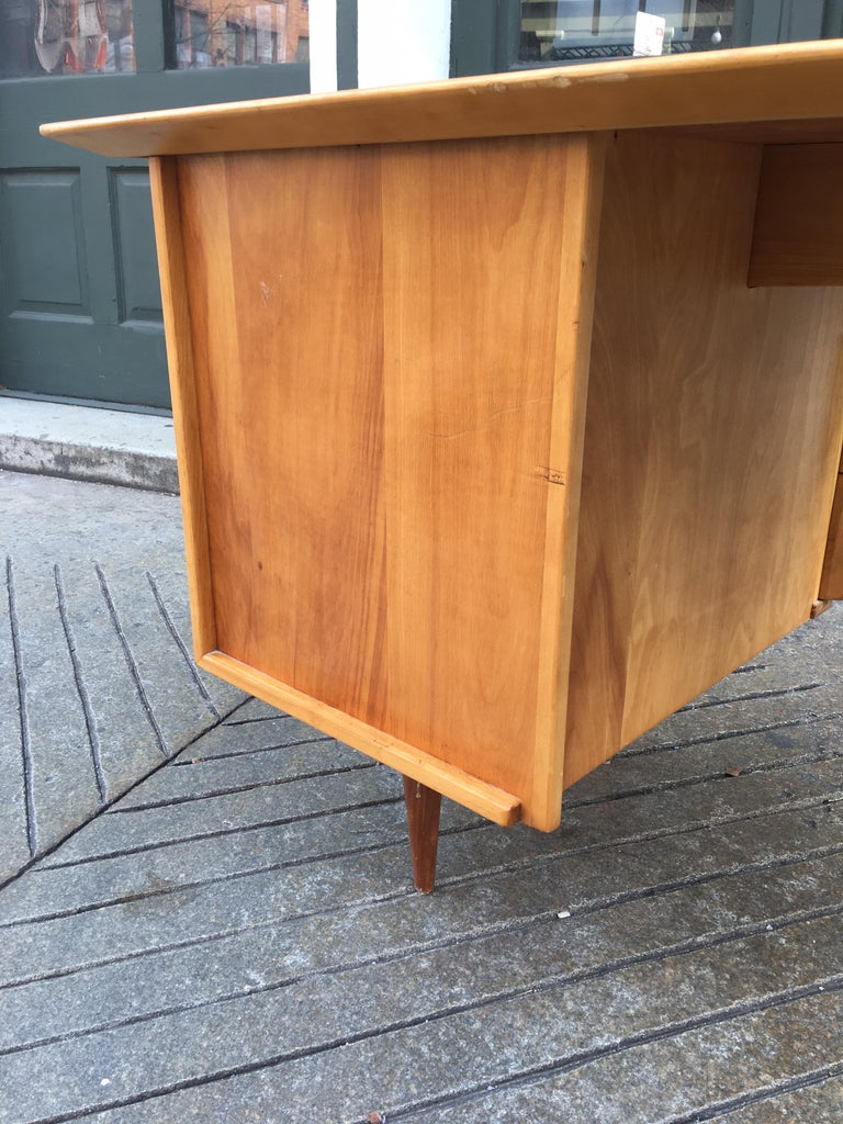 Florence Knoll Style Birch and Walnut Desk For Sale 4