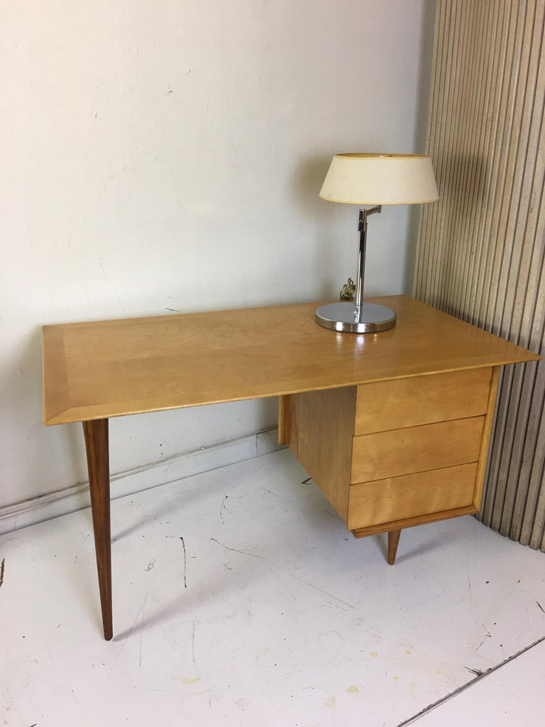 Florence Knoll Style Birch and Walnut Desk For Sale 2