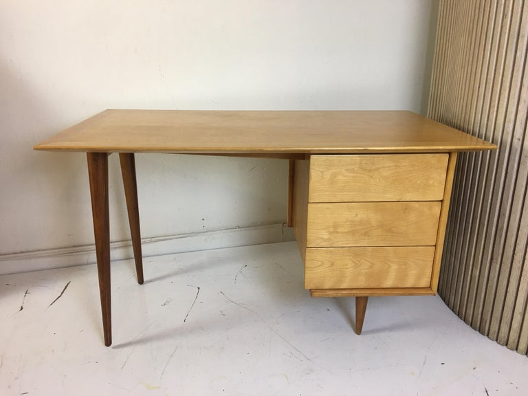 Florence Knoll Style Birch and Walnut Desk For Sale 3