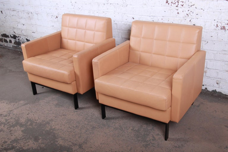 Florence Knoll Style Brown Leather Club Chairs by Coalesse, Pair In Good Condition For Sale In South Bend, IN