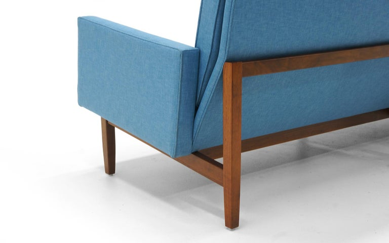 Florence Knoll Three-Seat Sofa Walnut Frame Restored, New Blue Upholstery In Excellent Condition For Sale In Kansas City, MO