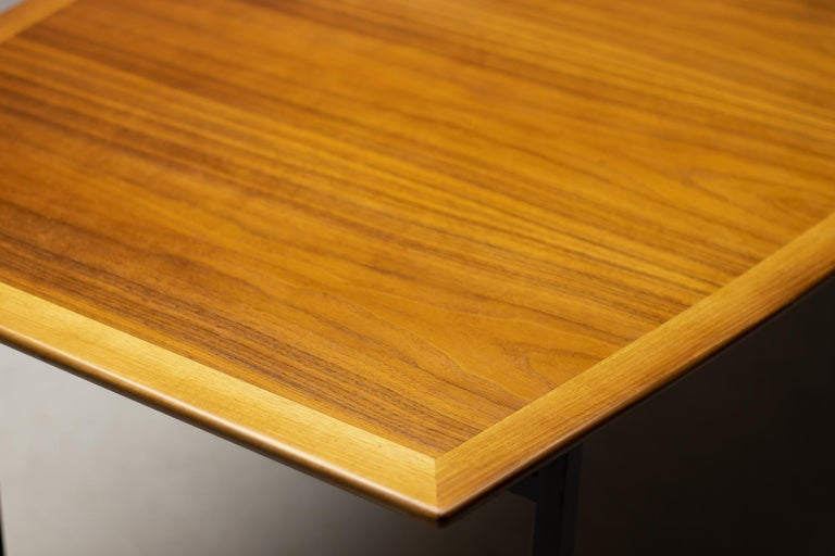 Mid-20th Century Florence Knoll Walnut Model 578 Table For Sale