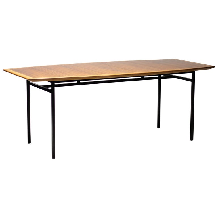 Florence Knoll Walnut Model 578 Table For Sale
