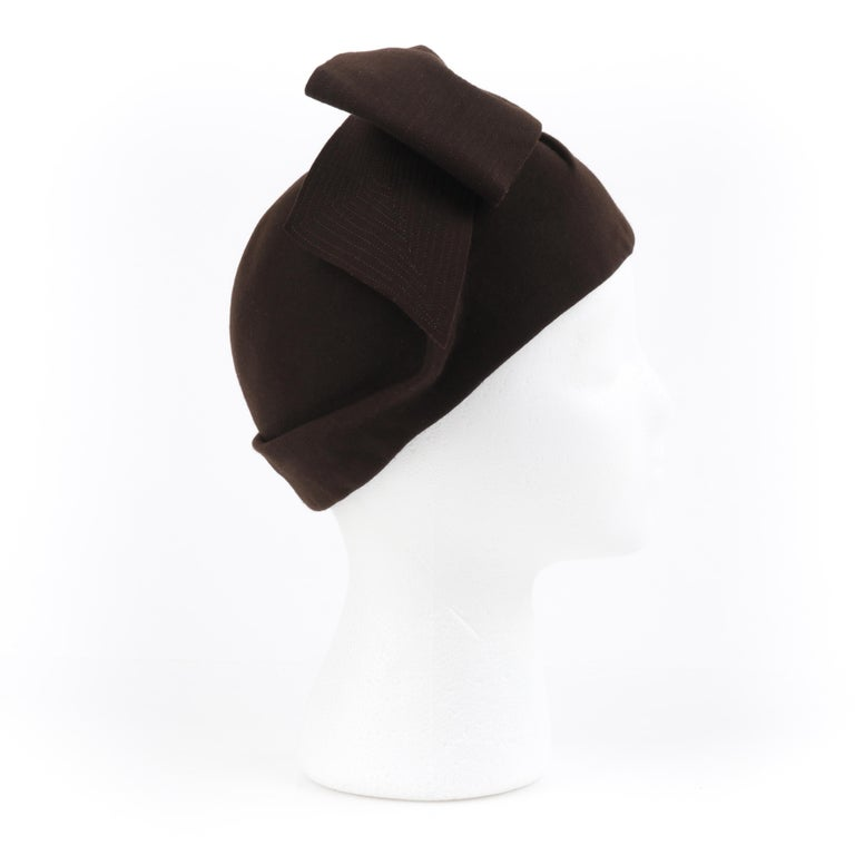 Women's FLORENCE MILLINERY COUTURE c.1940s Chocolate Brown Felt Front Bow Turban Hat For Sale