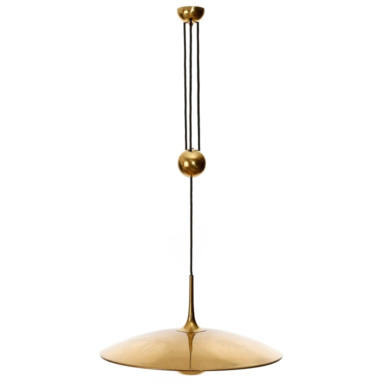 Florian Schulz Brass Pendant Light 'Onos 55' Counterweight Counter Balance, 1970 In Good Condition For Sale In Graz, AT