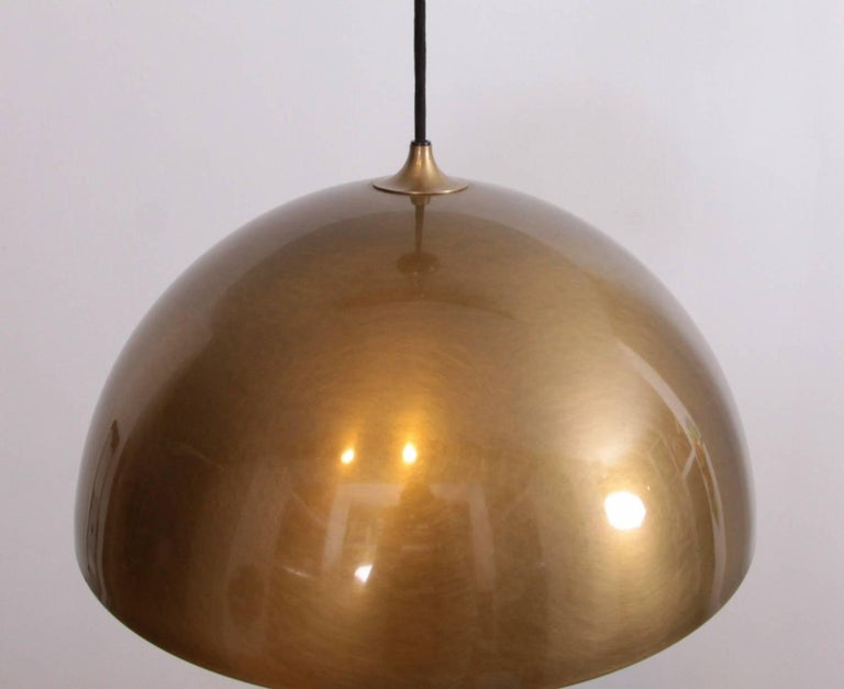 Late 20th Century Florian Schulz Posa Centerweight Pendant Light in Brass, Germany For Sale
