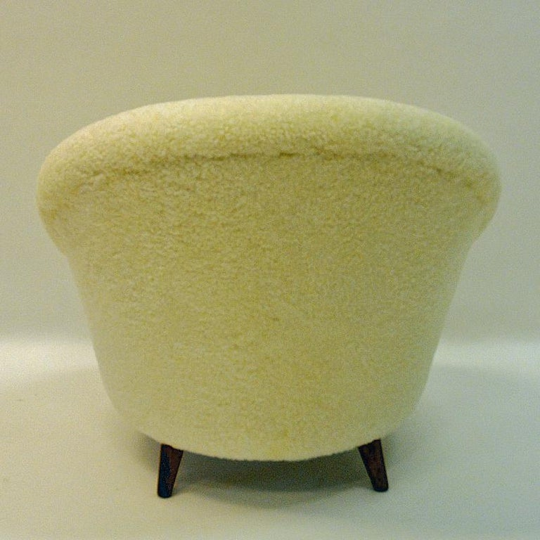 Sheepskin Midcentury Florida Easy chair in sheepskin from Vatne - Norway 1950s For Sale
