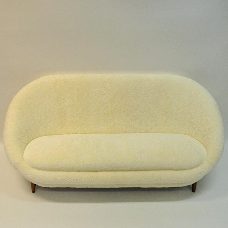Midcentury Floridasofa in sheepskin from Vatne - Norway 1950s For Sale 4