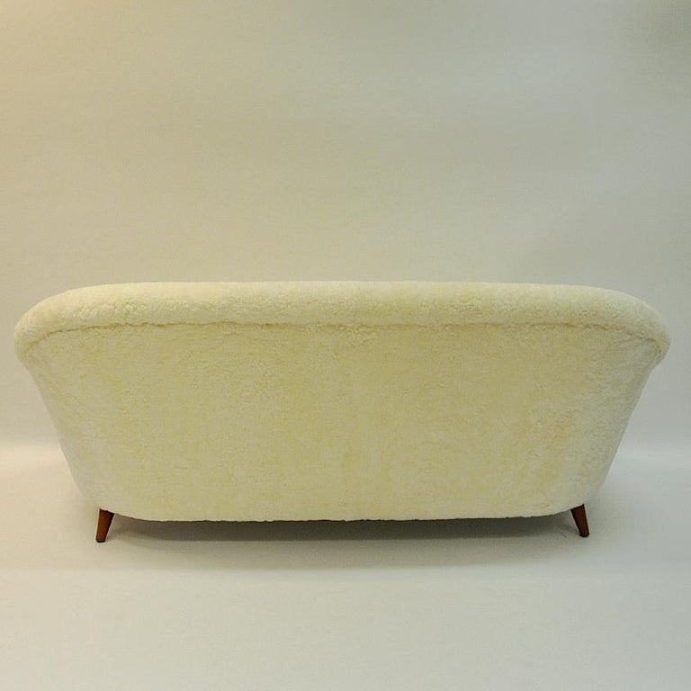 Mid-Century Modern Midcentury Floridasofa in sheepskin from Vatne - Norway 1950s For Sale