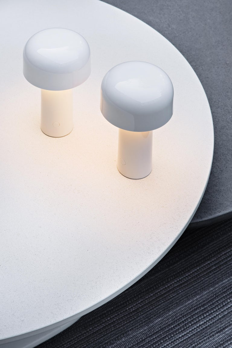 Italian Modern Resin White Portable Rechargable Wireless Desk or Table Lamp for FLOS For Sale