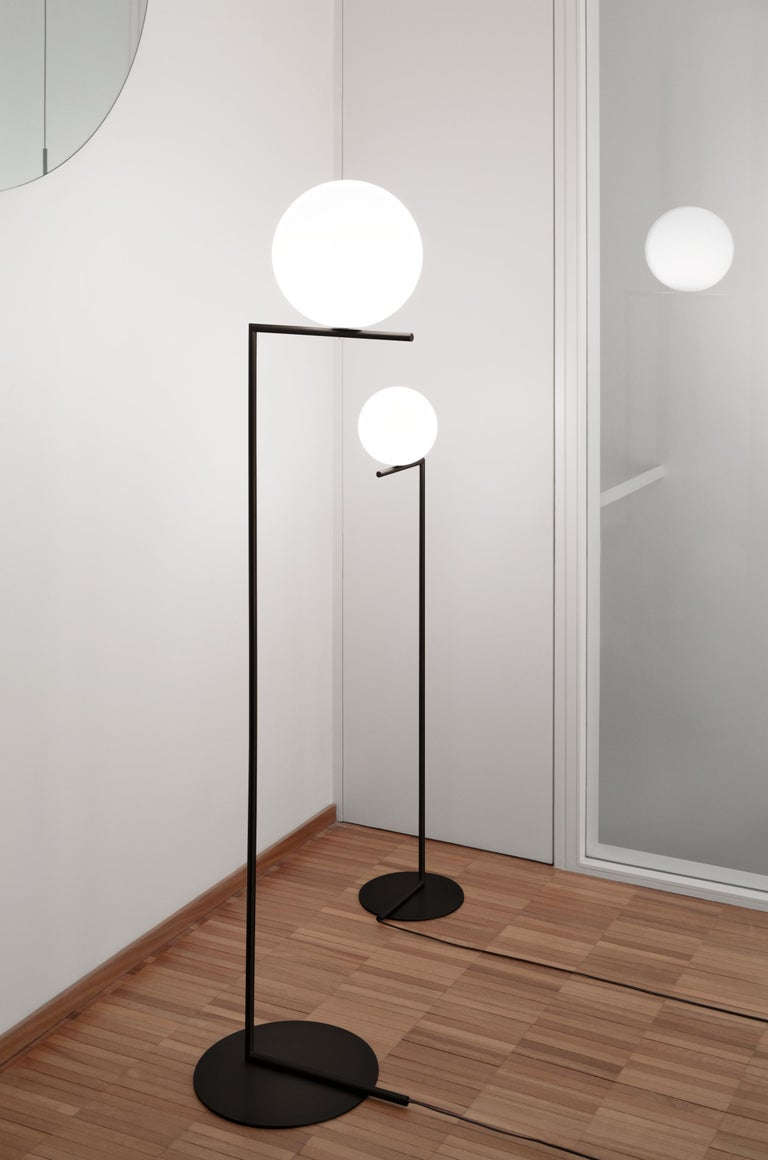 Italian FLOS IC Lights T1 High Table Lamp in Black by Michael Anastassiades For Sale