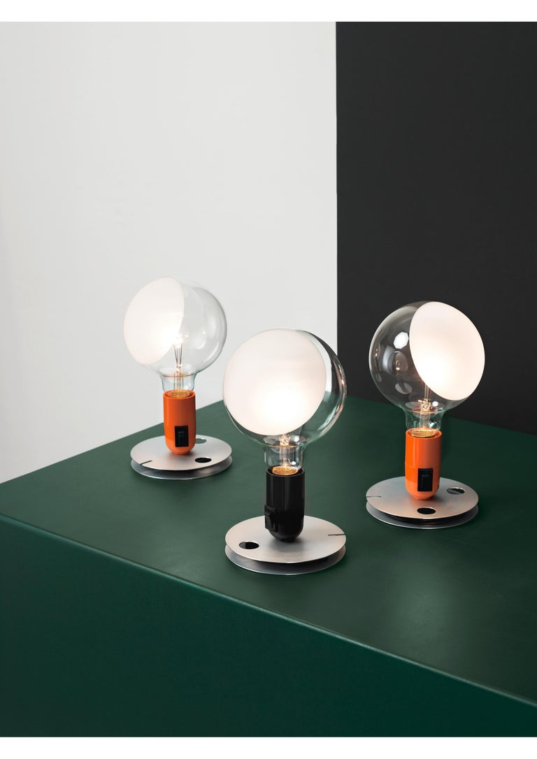FLOS Lampadina LED Table Lamp in Black by Achille Castiglioni In New Condition For Sale In New York, NY