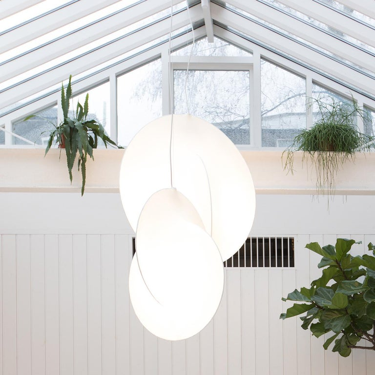 Flos Overlap S2 Suspension Light by Michael Anastassiades In New Condition For Sale In New York, NY