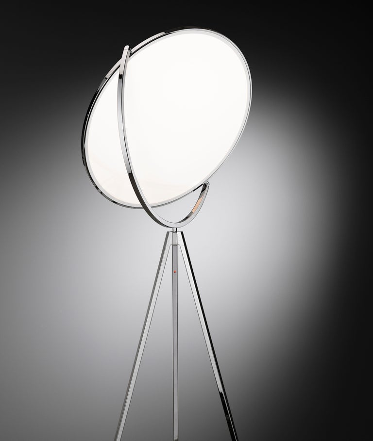 FLOS Superloon Floor Lamp in Chrome by Jasper Morrison In New Condition For Sale In New York, NY