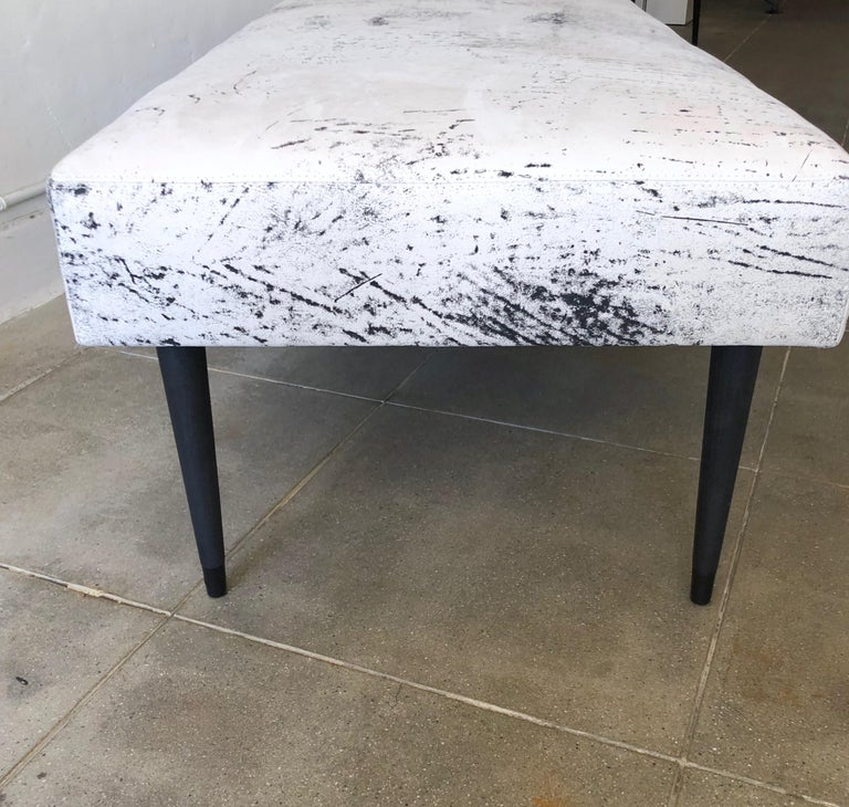 Flow Modern Abstract Pattern Creamy White and Black Leather Bench or Daybed In Excellent Condition In Palm Springs, CA