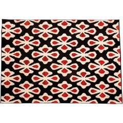 21st Century Design Flower Pattern Wool Rug Hand-Tufted Red and Black