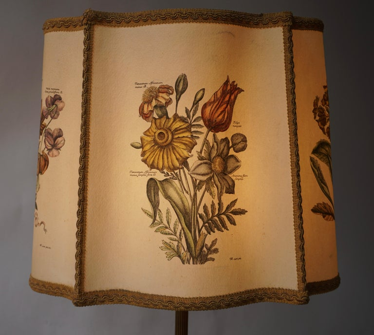 Flower Lamp in Wood and Brass For Sale 4