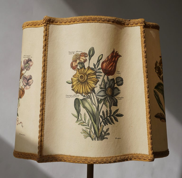 Flower Lamp in Wood and Brass For Sale 5