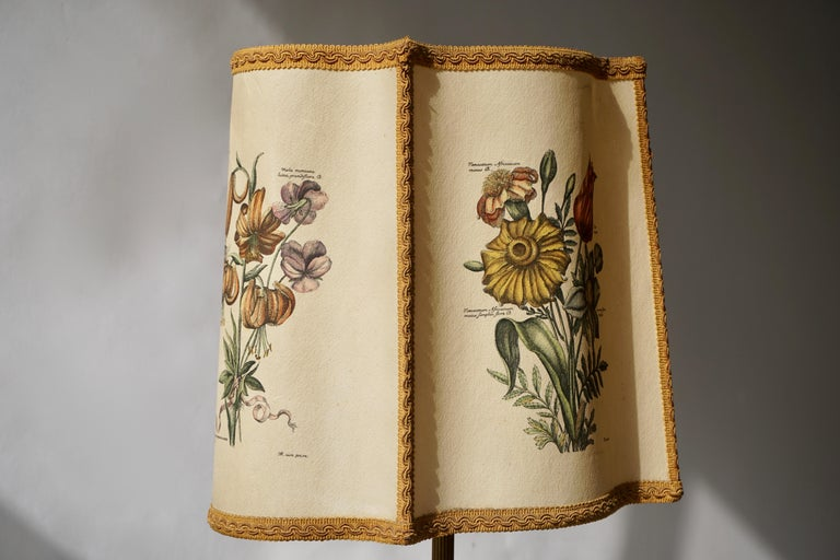 Flower Lamp in Wood and Brass For Sale 2