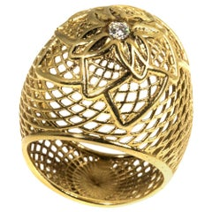 18 Karat Gold Flower Net Bombe Ring, Diamond