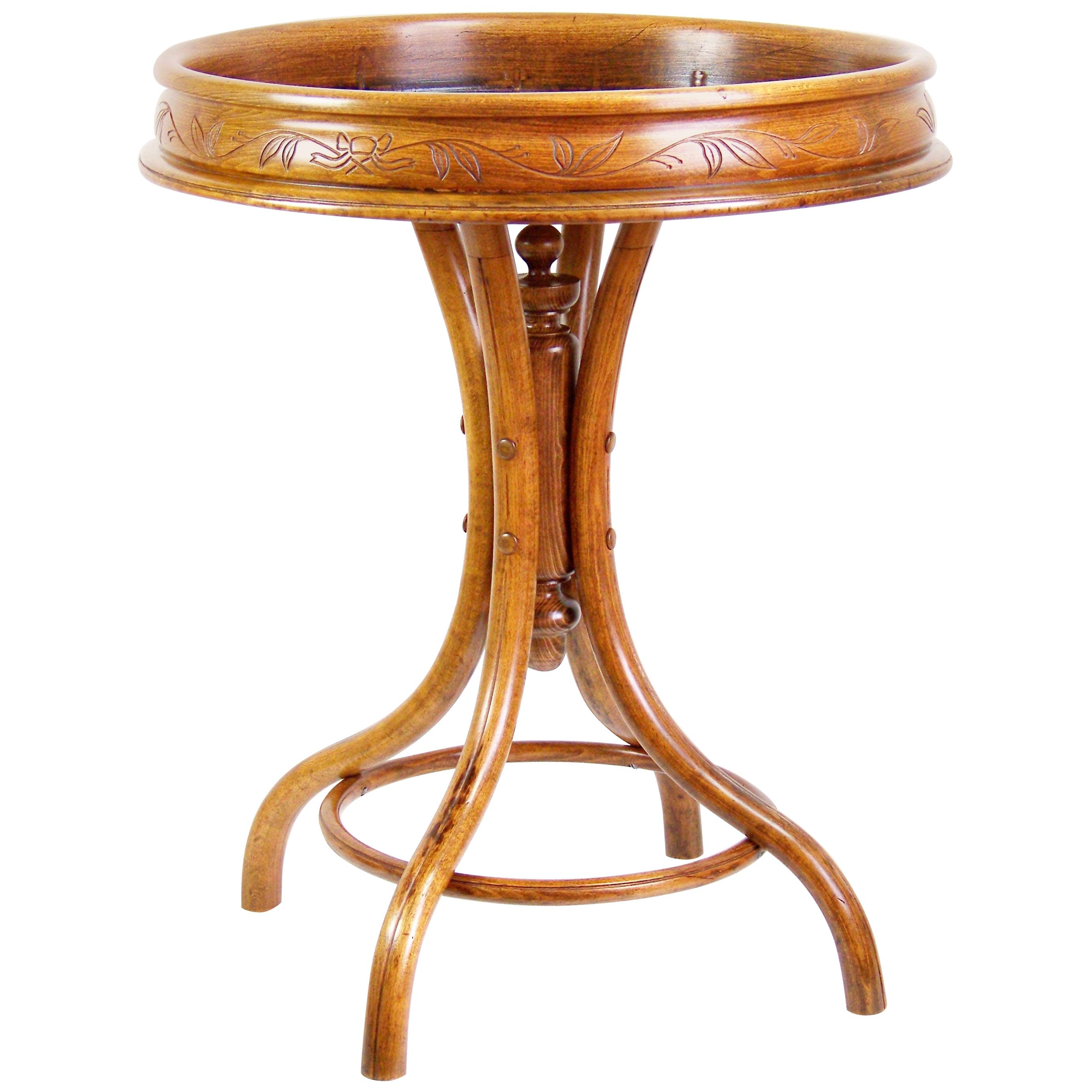 Flower Table Thonet, circa 1880