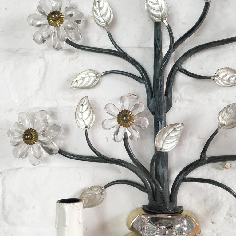 Flower Wall Sconce in the Style of Maison Baguès In Good Condition For Sale In Hastings, GB
