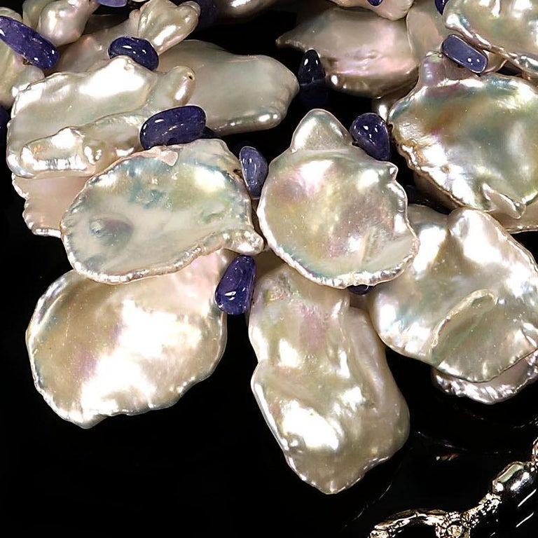 Fluttering White Keshi Pearl Necklace with Sparkling Tanzanite Accents In New Condition For Sale In Tuxedo Park, NY