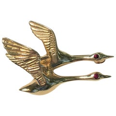 Flying Geese 14 Karat Yellow Gold Brooch with Rubies