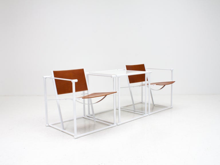 FM62 Steel & Leather Chairs & Side Table by Radboud Van Beekum for Pastoe, 1980s In Good Condition For Sale In London Road, Baldock, Hertfordshire