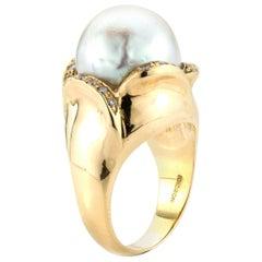 F. Moroni 18 Karat Gold Ladies Ring with Natural Freshwater Pearl and Diamonds
