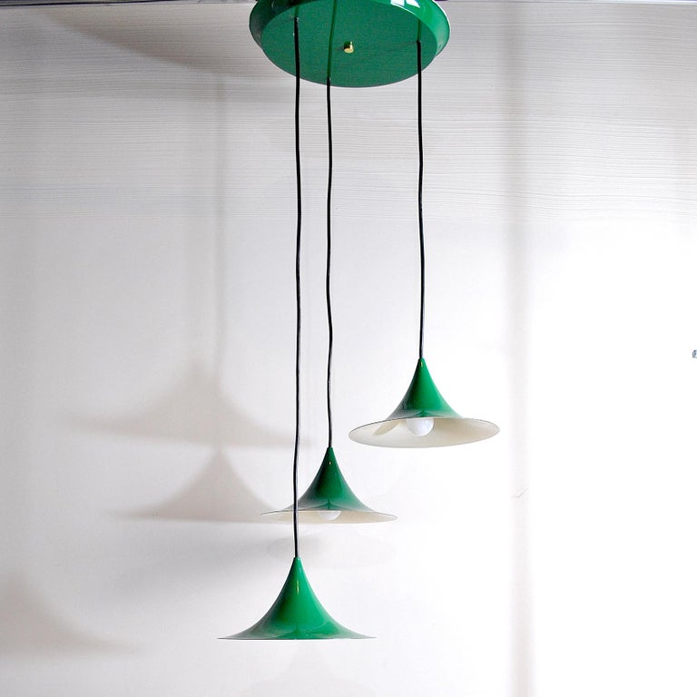 Set of three little suspensions in aluminum green colored model