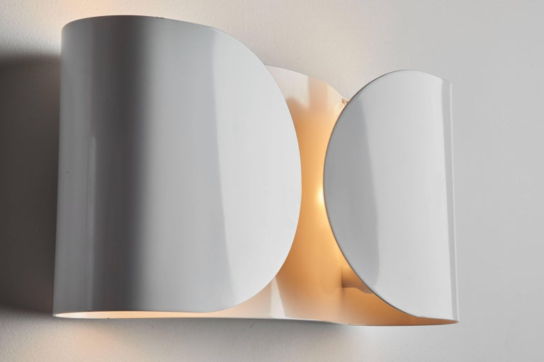 Enameled Foglio Sconce by Tobia Scarpa for Flos For Sale