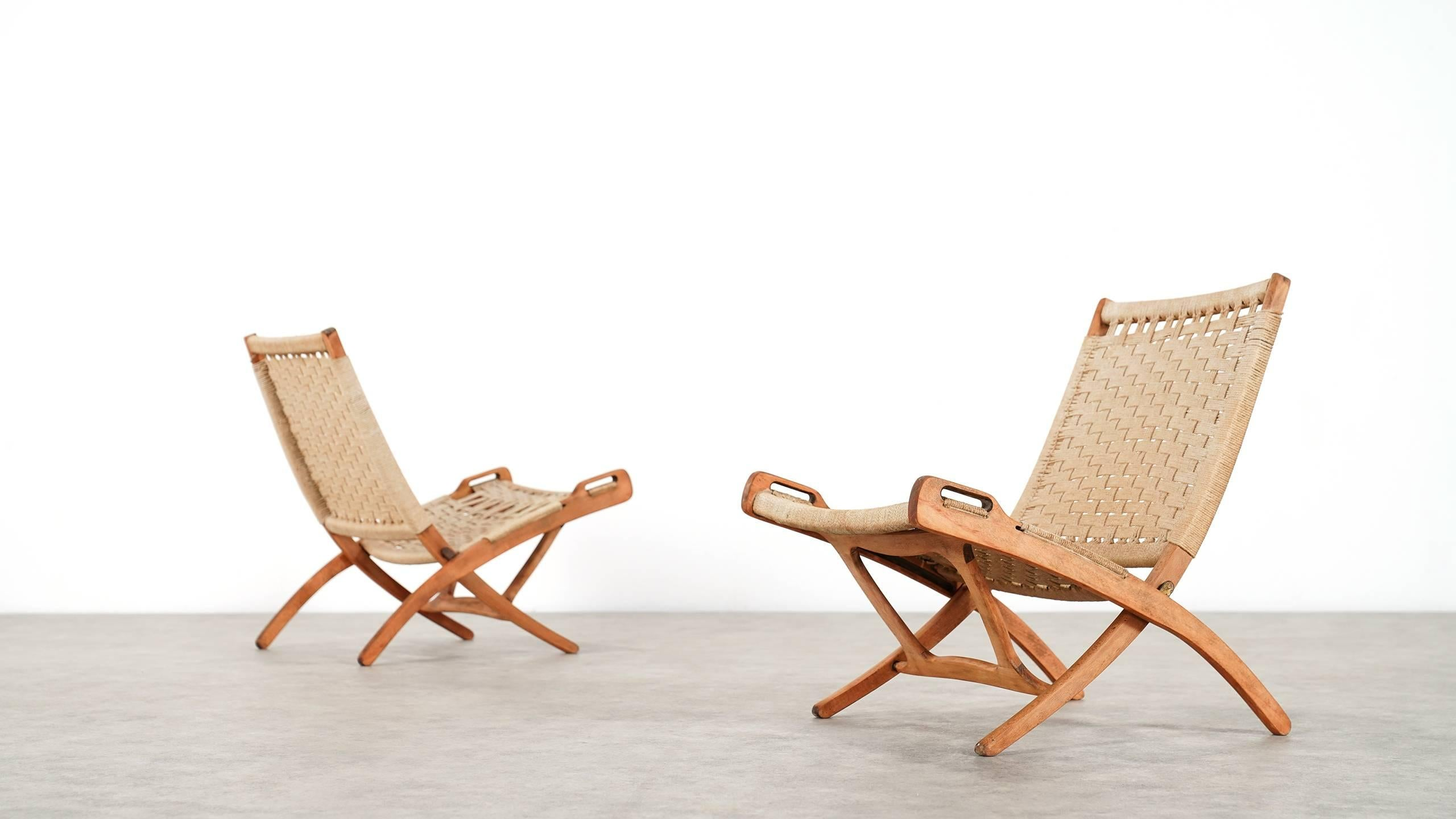 Mid Century Modern Folding Chair, Hans J. Wegner Style, Wood And Rope