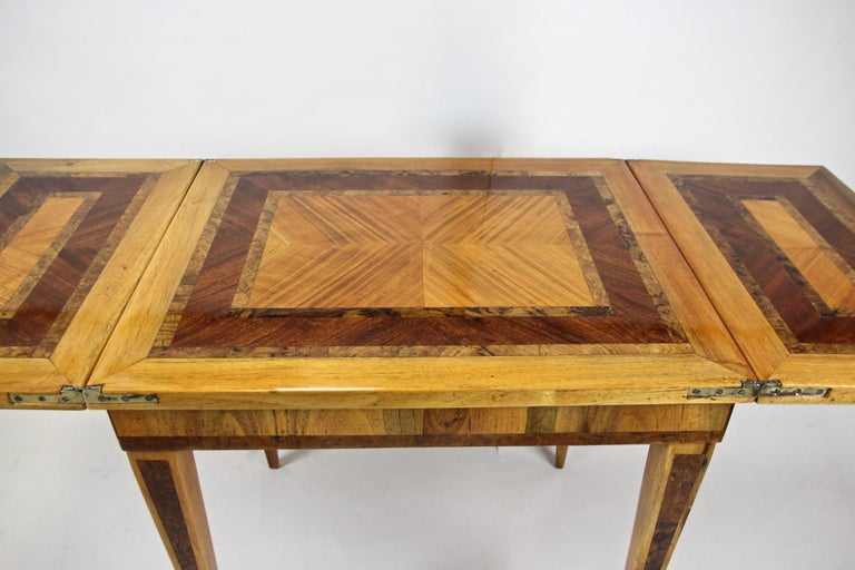 Folding Side Table 18th Century Josephinism Period, Austria, circa 1790 In Good Condition For Sale In Lichtenberg, AT