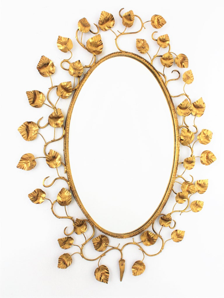 Foliage Oval Mirror in Gilt Metal For Sale 7