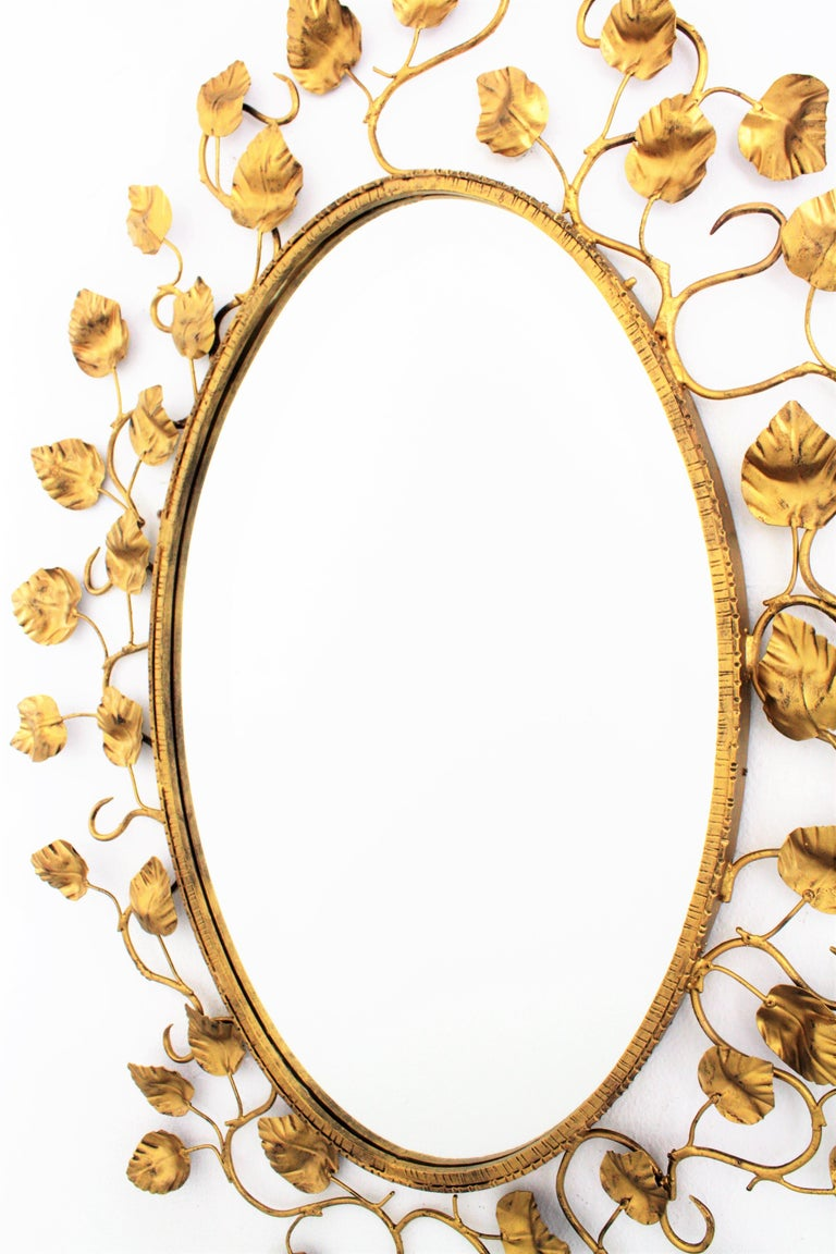 Foliage Oval Mirror in Gilt Metal For Sale 2