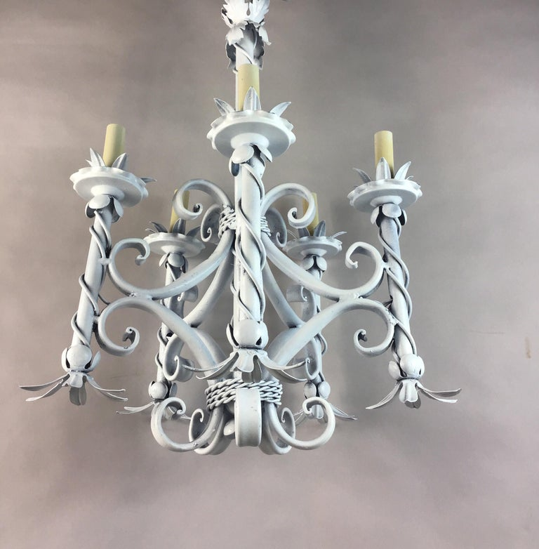 Foliate French Chandelier In Good Condition For Sale In Douglas Manor, NY